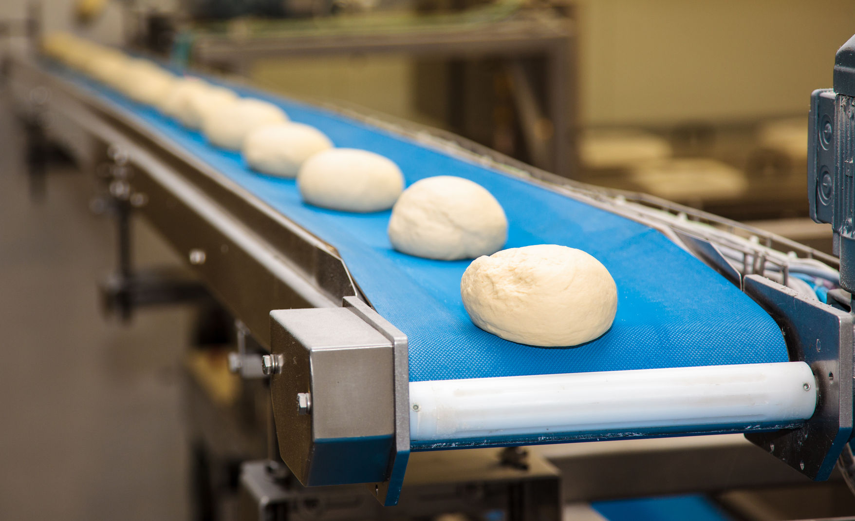dough consistency, tail out, dough production bakery